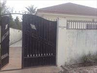3 Bedroom partly furnished hou...